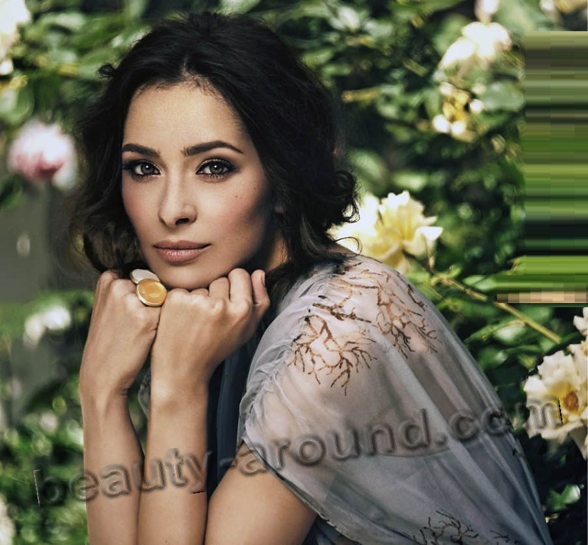 Zrinka Cvitesic beautiful Croatian actress of musicals photo