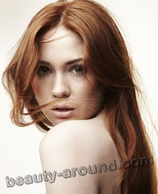 Karen Gillan sexy Scottish actress photo