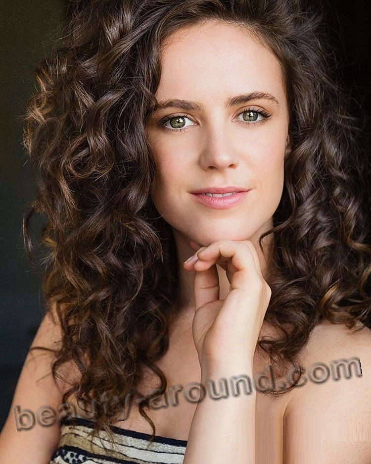 Amy Manson beautiful Scottish girl photo