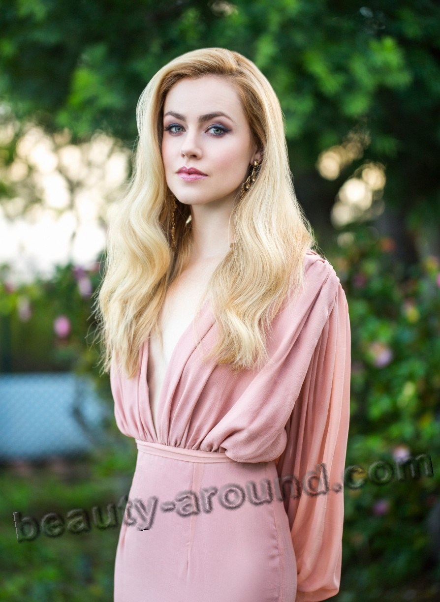 Amanda Schull American TV series actress photo