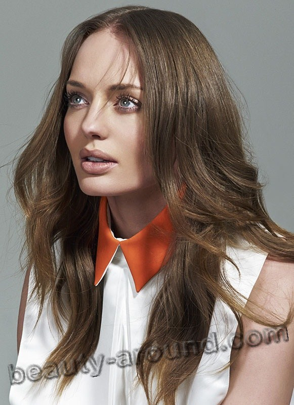 Laura Haddock beautiful English TV series actress photo