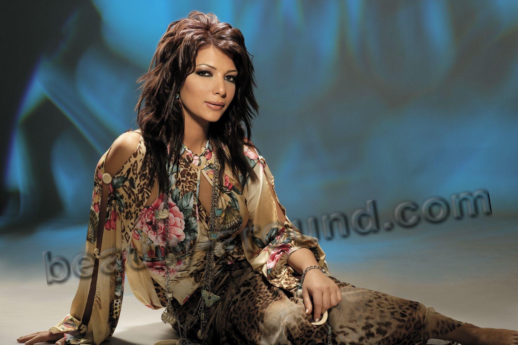 Assala Nasri певица из Сирии фото