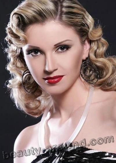 Noura Rahal популярная певица из Сирии фото