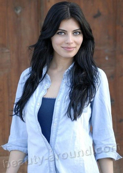 Ceren Hindistan Turkish actress photo