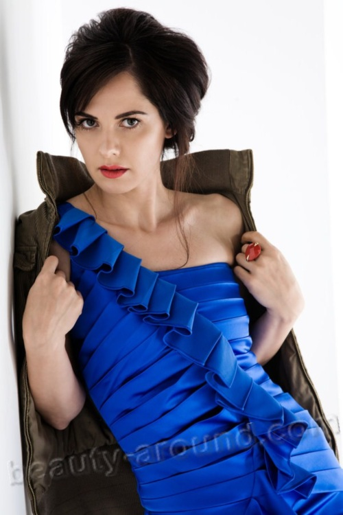 Ahu Türkpençe Turkish actress photo