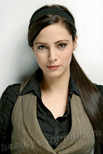 Mine Tugay Turkish actress photo