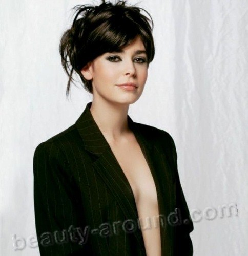 Pelin Batu Turkish actress photo