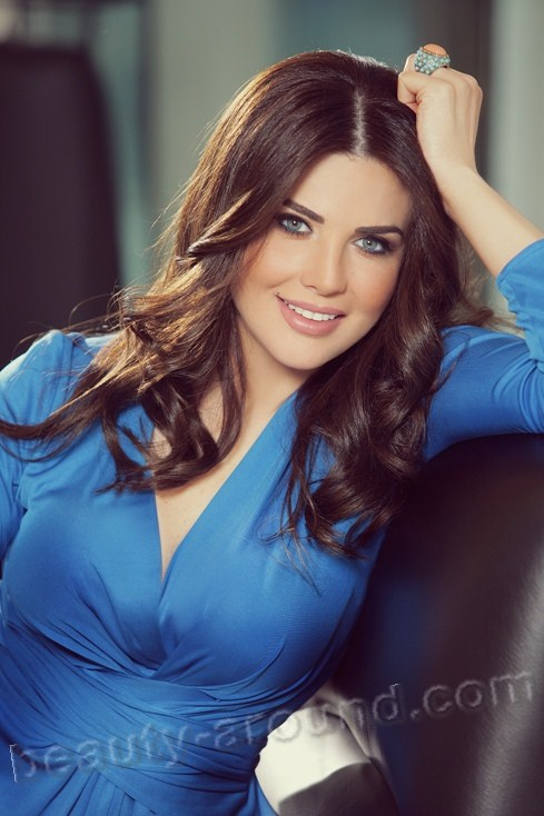 Mona Abou Hamze Lebanese TV presenter. the most beautiful TV presenters photo