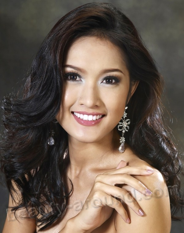 Beautiful Thai Women. Piyaporn Deejing Miss Internetional Thailand 2010 photo