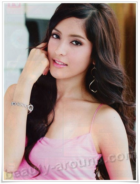 Beautiful Thai Women. Pinky Savika Chaiyadech Thai actress photo