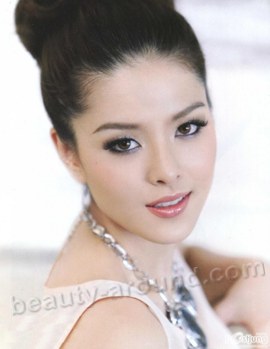 Beautiful Thai Women. Lidia Sarunrat Visutthithada photo