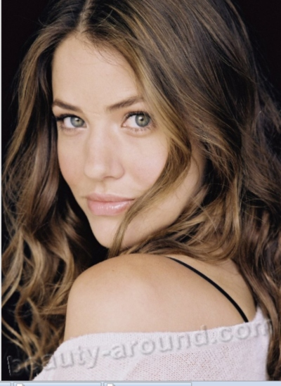 Beautiful Argentinian women Julie Gonzalo