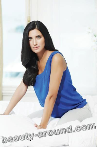 ТTuba Büyüküstün / Tuba Buyukustun, Turkish actress, photo