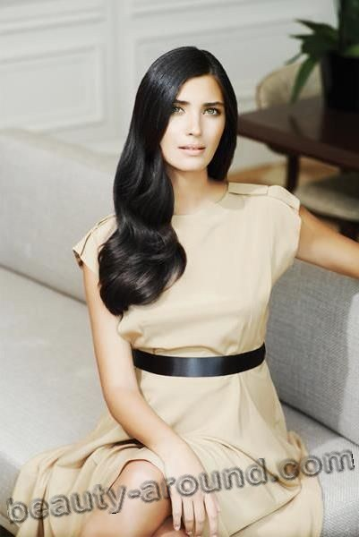 Tuba Büyüküstün / Tuba Buyukustun, Turkish actress, photo