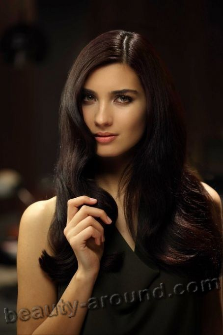 Tuba Büyüküstün / Tuba Buyukustun, Turkish actress, photo, advertising watch