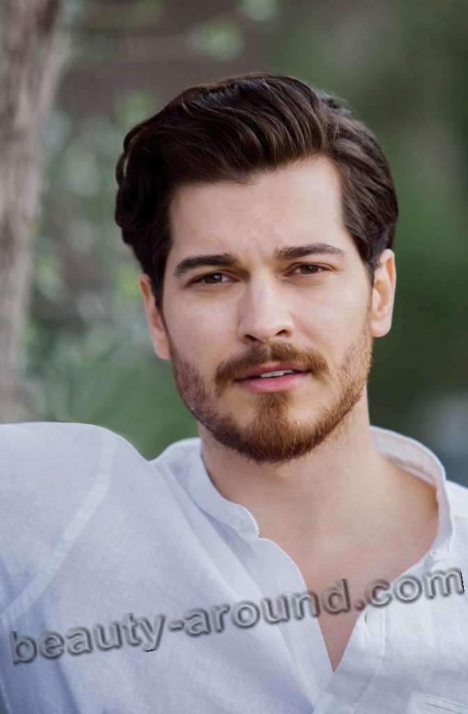 Çağatay Ulusoy Turkish actor and Best Model of Turkey 2010 photo
