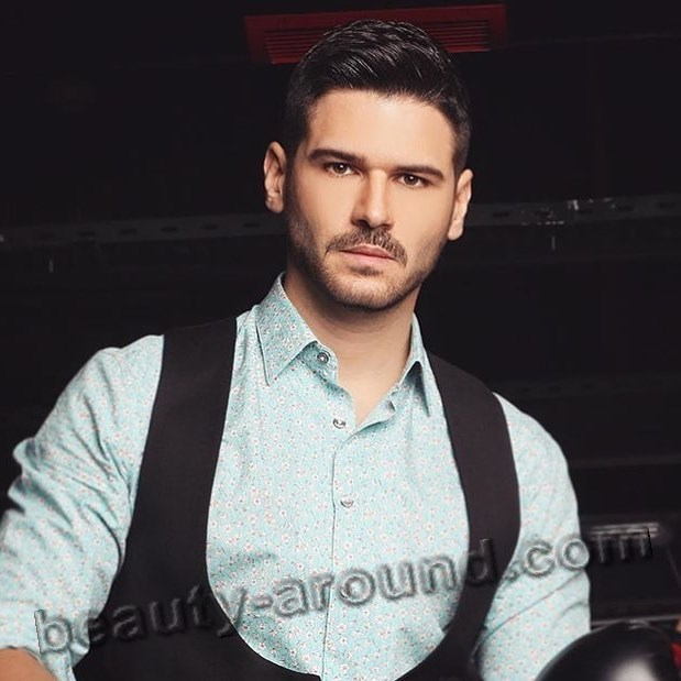 Tolgahan Sayısman Turkish actor and TV presenter photo