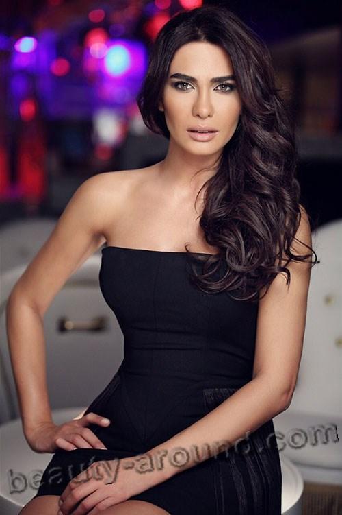 Gamze Karaman красивая турецкая телеведущая фото