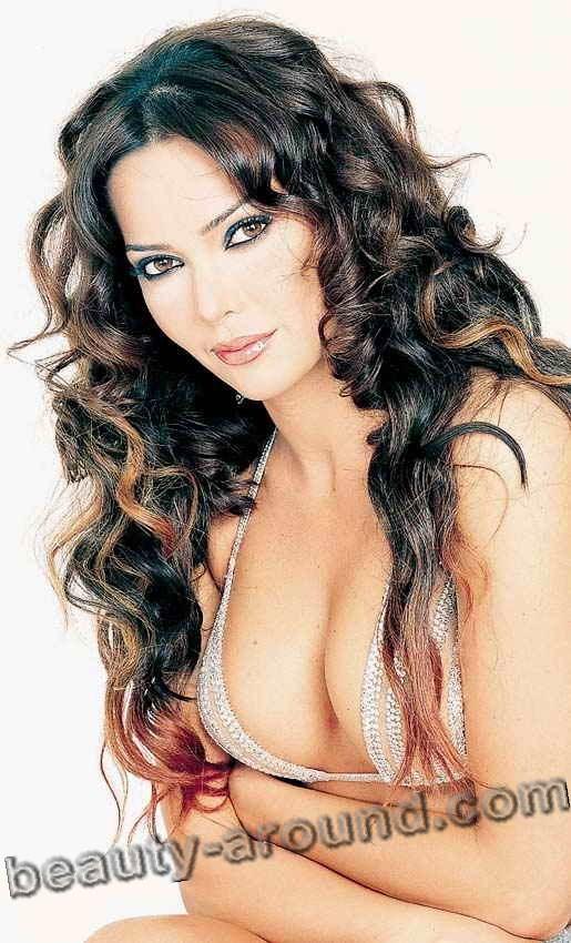 Ханде Атаизи красивая турецкая модель фото