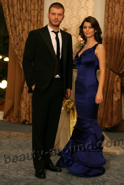 Очень красивая пара Берен Саат и Кыванч Татлытуг фото