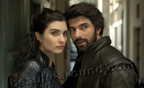 Энгин Акюрек и Туба Буюкюстюн самая красивая пара на экране фото