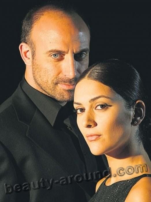 Тысяча и одна ночь  Халит Эргенч с женой Бергюзар фото