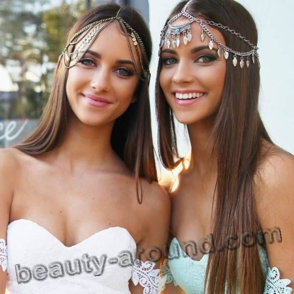 Renee and Elisha Herbert Twins Photo