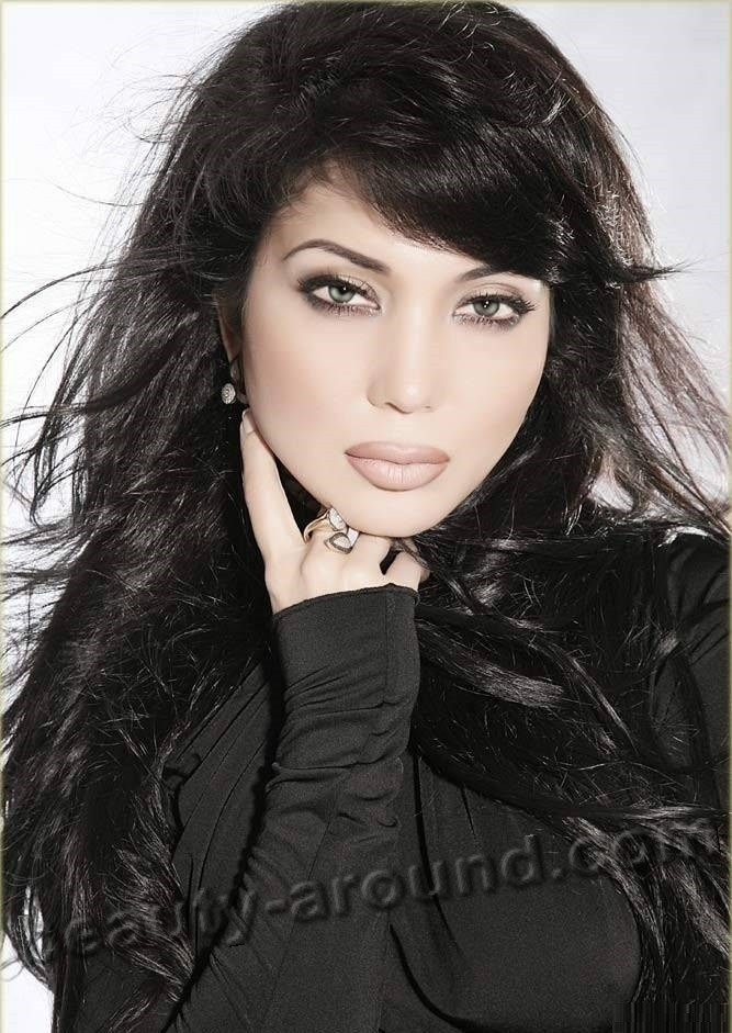 Rayhon Ganieva most beautiful Uzbek woman singer photo