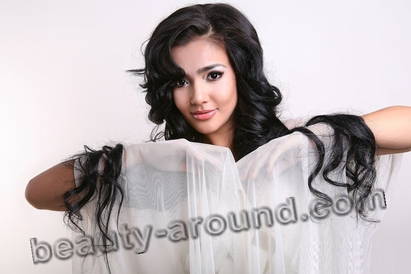 Ruhshona beautiful Uzbek girl photo