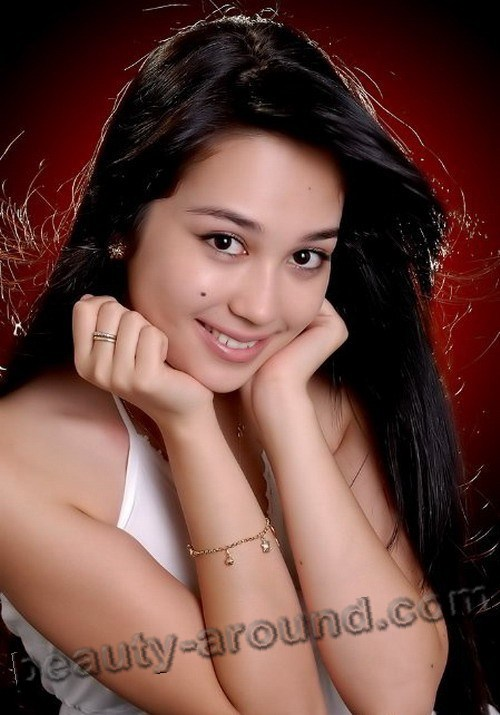 Asal Shodieva cute Uzbek actress photo