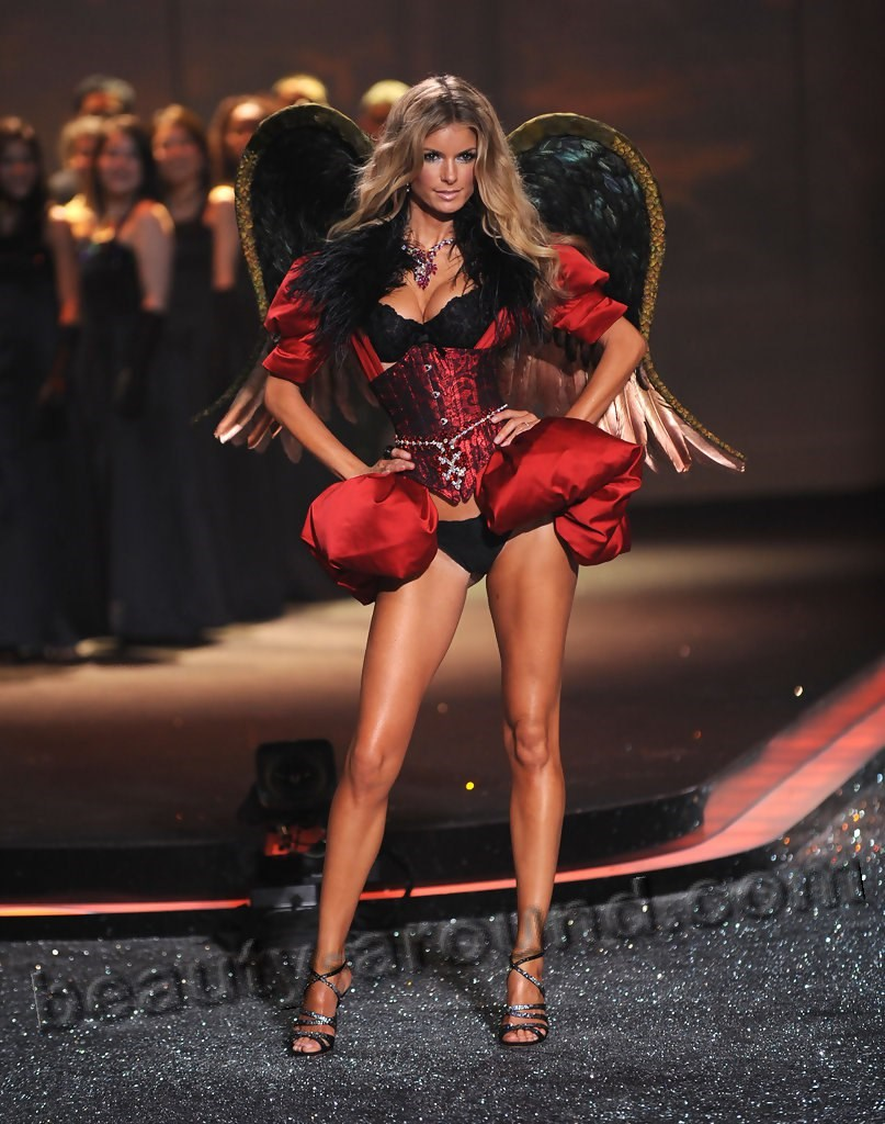Marisa Miller Hottes Victoria's Secret model photo