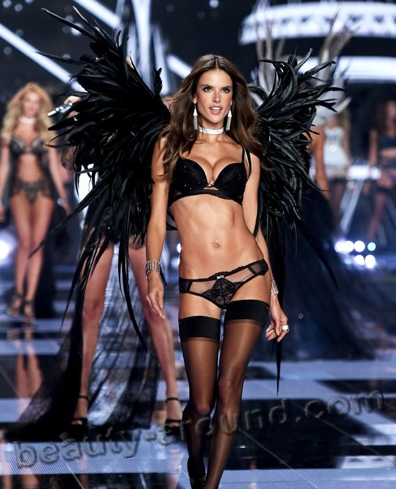 Alessandra Ambrosio Most Sexy Victoria's Secret Angel photo