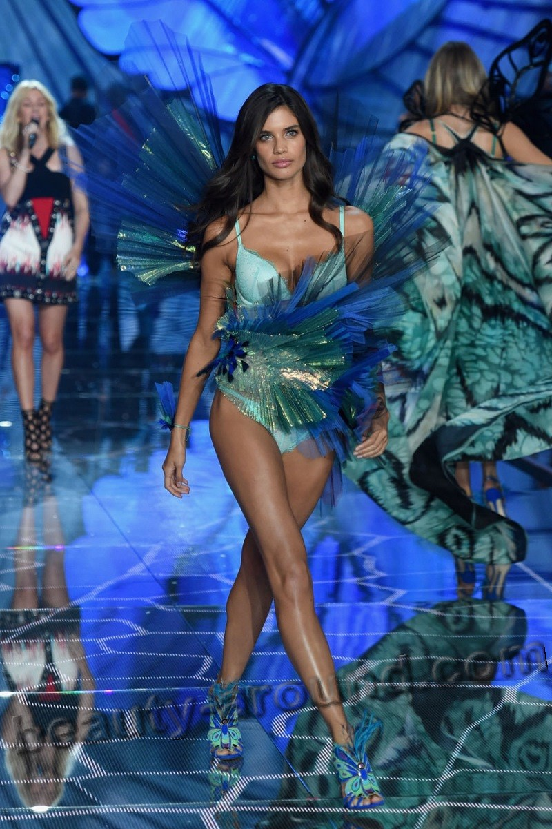 Sara Sampaio Hottes Victoria's Secret Angel photo