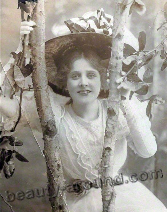 Vintage photo of a beautiful girl in a hat