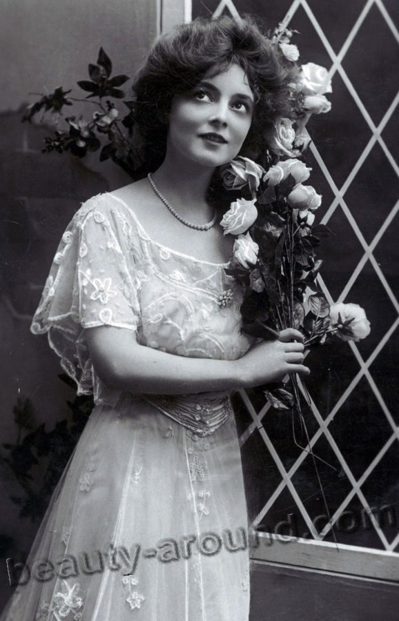 Vintage photo of a Lady with roses