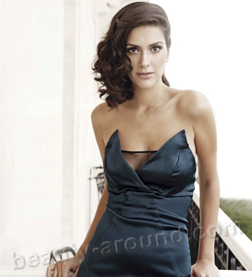 Berguzar Korel oriental women photos
