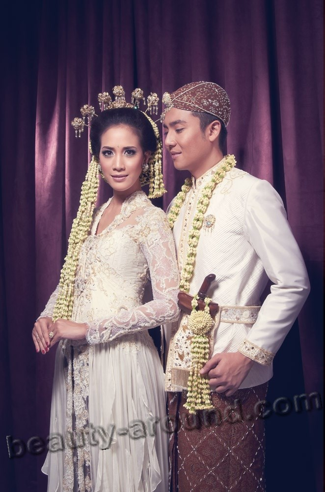Indonesian bride photo