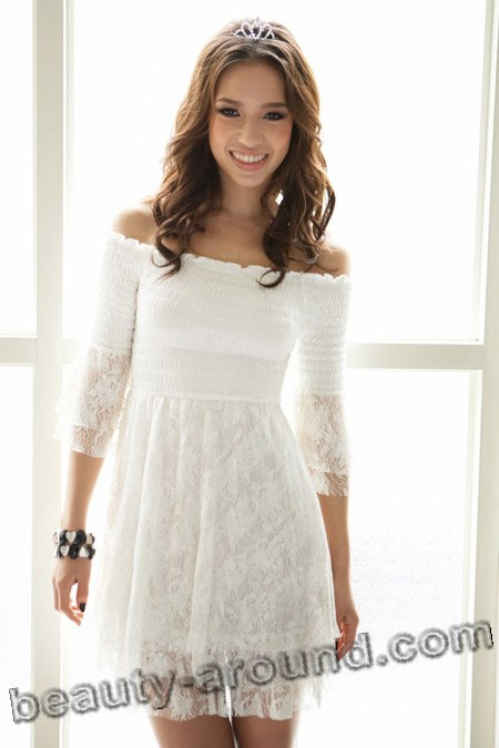 comfortable white lace dress