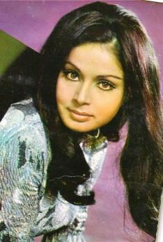 Raakhee Gulzar photo