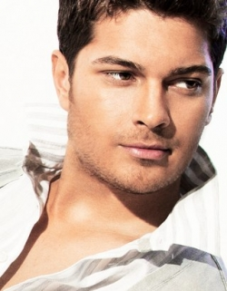 Cagatay Ulusoy - Biography, Filmography, Private Life, Photos