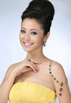 Top-20 Beautiful Vietnamese Women. Photo gallery.