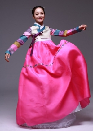 Traditional Korean dress: Hanbok (25 photos)