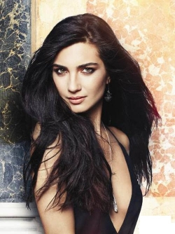 Tuba Buyukustun - Turkish Star TV series
